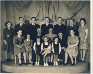 Ezra---Leona-Wettlaufer-family