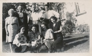 Mrs. Tace Lynch, Jim Lynch, Leo Lynch, unknown child, Tommy Lynch, Front: Viola Lynch, Mary Lynch, Rita Lynch, Frances Lynch